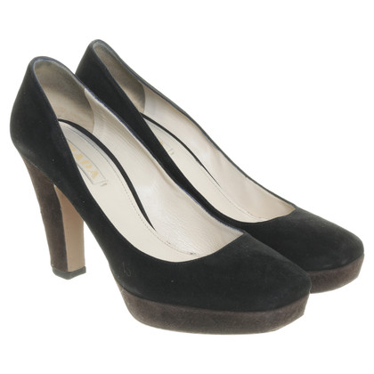 Prada Suede leather pumps in black and Brown