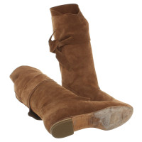 Fred de la Bretoniere Wrap ankle boots from suede