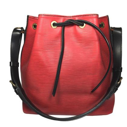 "Louis Vuitton ""Petit Noé EPI leather"" in rosso/nero"