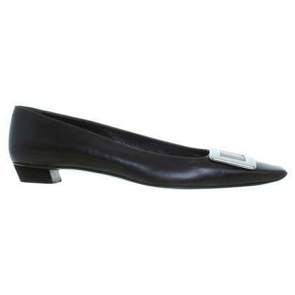 Roger Vivier pumps in dark brown