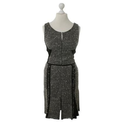 Laurèl Black/white dress bouclé