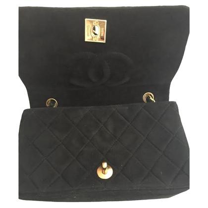 Chanel Flap Bag aus Veloursleder