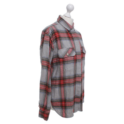 Closed Flannel blouse with check pattern