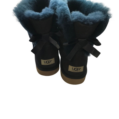 Ugg Ankle boots with knots