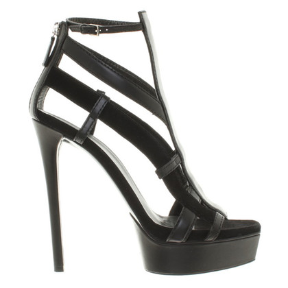 Gucci Beltpumps in black