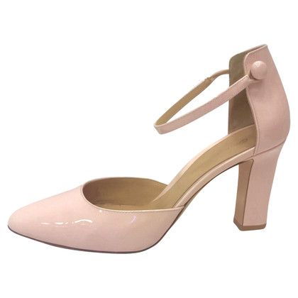 Gianvito Rossi pumps in Nude