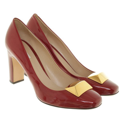 Max Mara pumps in red