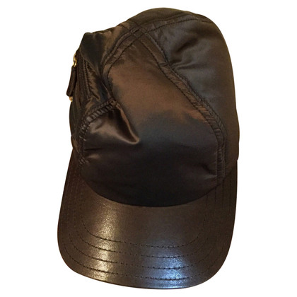 Tod's Cap in brown satin new