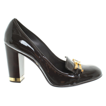 Tory Burch pumps made of lacquered leather