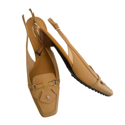 Tod's Sling pumps