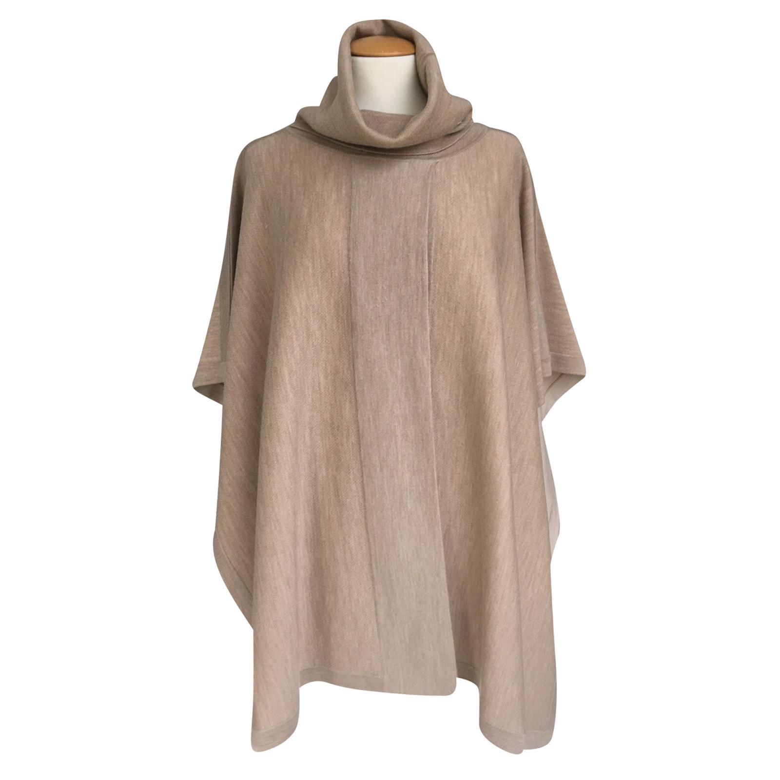 dessin de mode qualité style de mode Hugo Boss Poncho en laine - Acheter Hugo Boss Poncho en ...