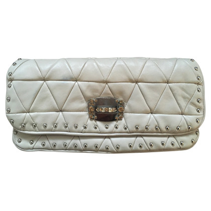 Miu Miu Lederclutch in Creme