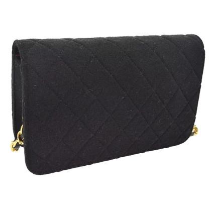 Chanel Chanel wallet in chain