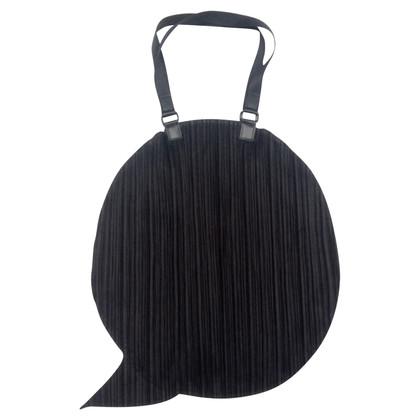 Issey Miyake Ronde handtas in zwart