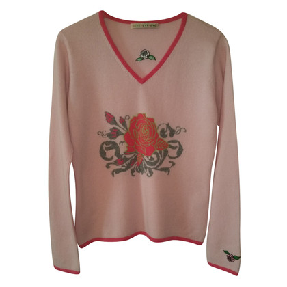 FTC Cashmere sweater with roses
