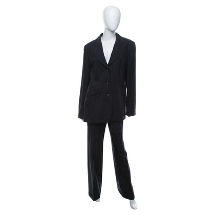 Laurèl Pinstripe suit in black