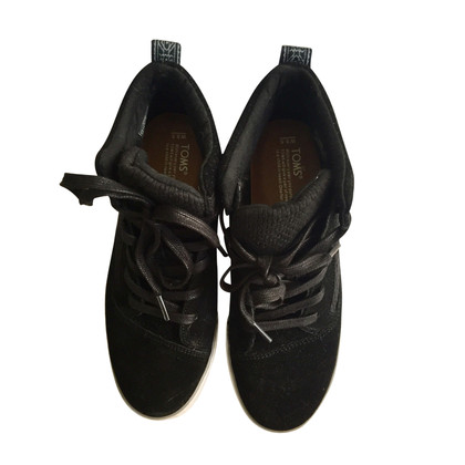 Tom's lace-up shoes