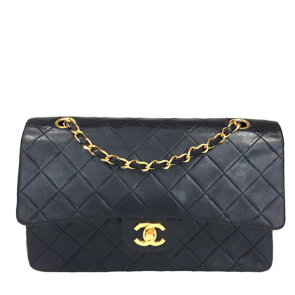 "Chanel ""Bb3e71dc Medium"""