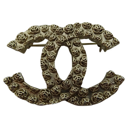 Chanel CC brooch with roses