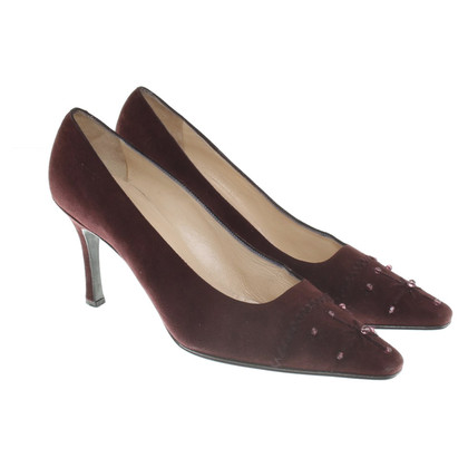 Chanel pumps in bordeaux red