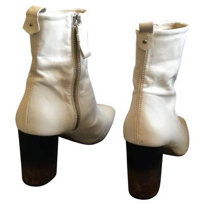 Kurt Geiger Boots in White