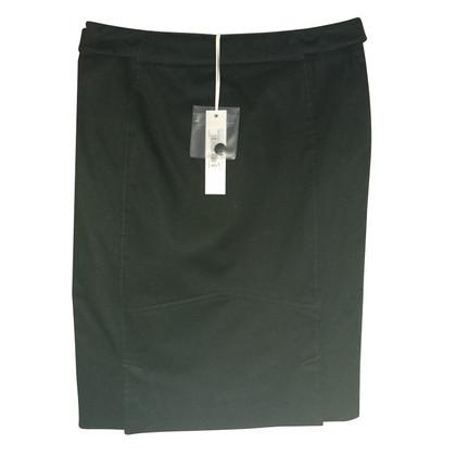 Versace Elegant black skirt