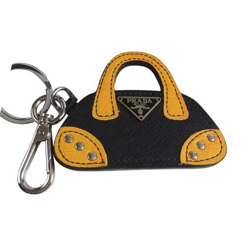 new product 1c481 402a1 Prada Portachiavi realizzato in pelle Saffiano - Second hand ...