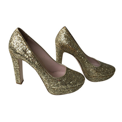 Miu Miu Goldfarbene High Heels