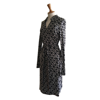 Diane von Furstenberg vintage dress with graphic pattern