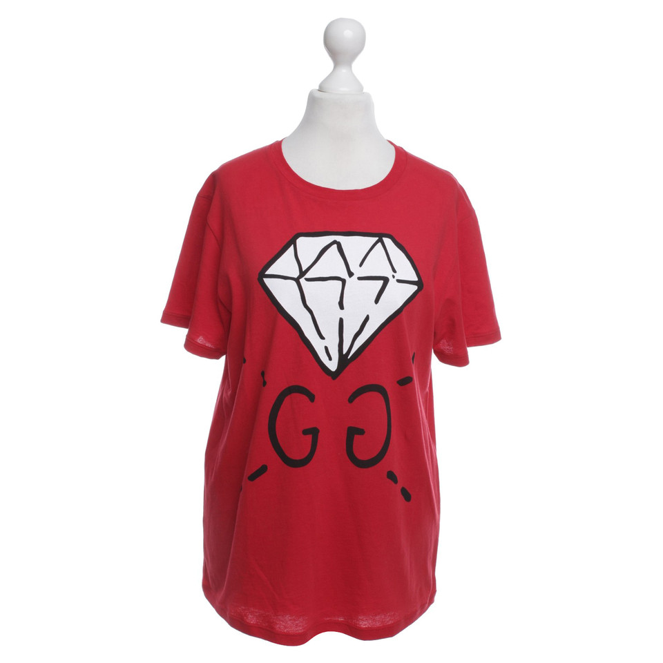 gucci rotes t shirt mit motiv second hand gucci rotes t. Black Bedroom Furniture Sets. Home Design Ideas