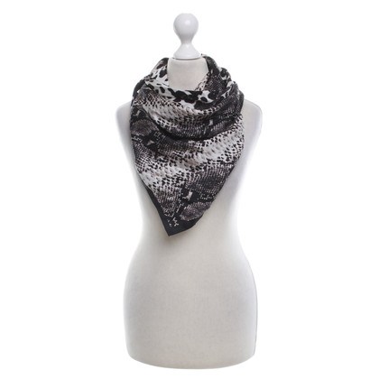 Vince Camuto Silk scarf with pattern