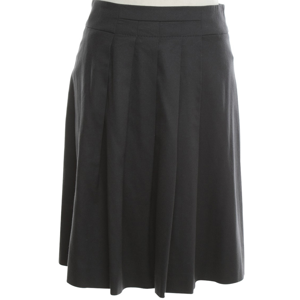 Hugo Boss skirt with pleats