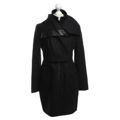 Pinko Coat in zwart