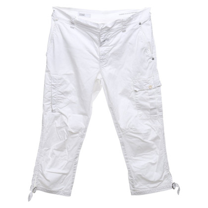 Closed trousers in white