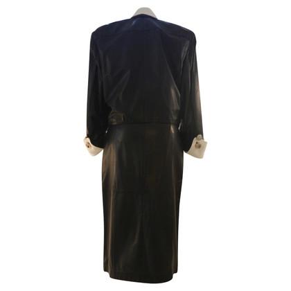 Ferre costume di cuoio nero