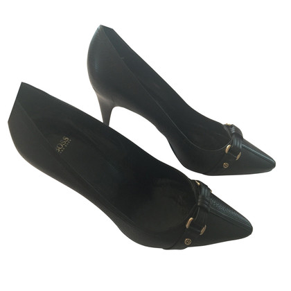 Hugo Boss Classical pumps