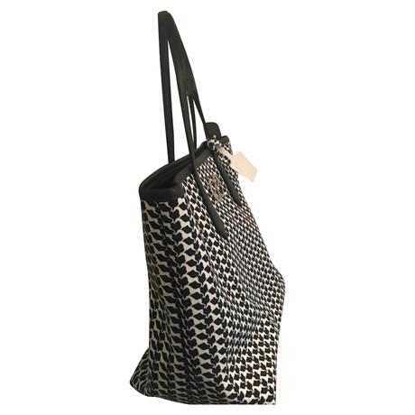 Kaufen Zum Verkauf Billig Verkauf Vermarktbare Escada Schultertasche mit Muster Bunt / Muster Unter 50 Dollar Neue Ankunft Günstig Online B6gxqL