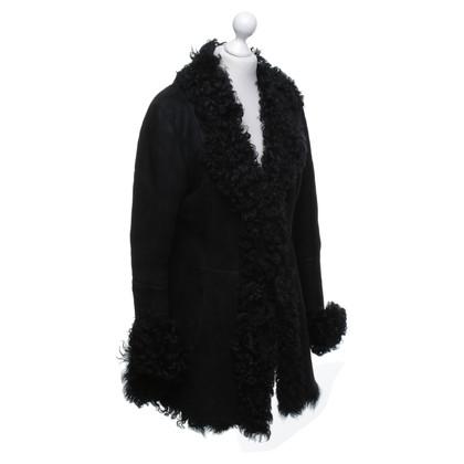 Vent Couvert Peau de mouton manteau en noir