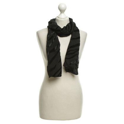 Wolford Scarf in black