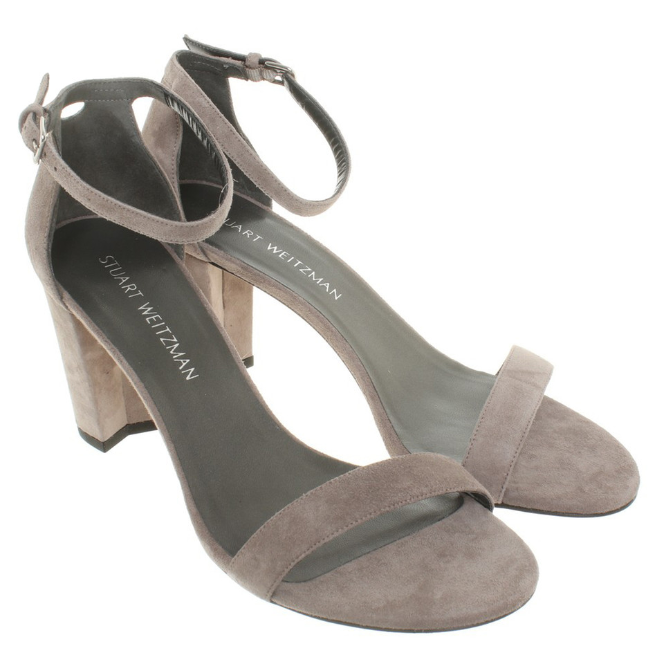 stuart weitzman sandaletten aus wildleder second hand stuart weitzman sandaletten aus. Black Bedroom Furniture Sets. Home Design Ideas
