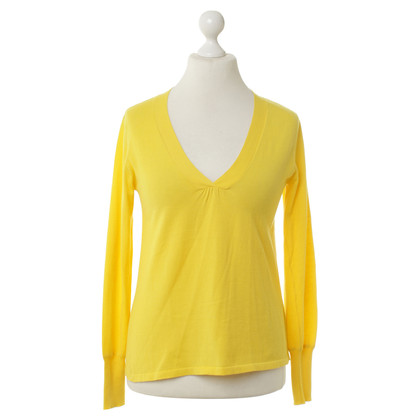 Closed Yellow fine knit sweater