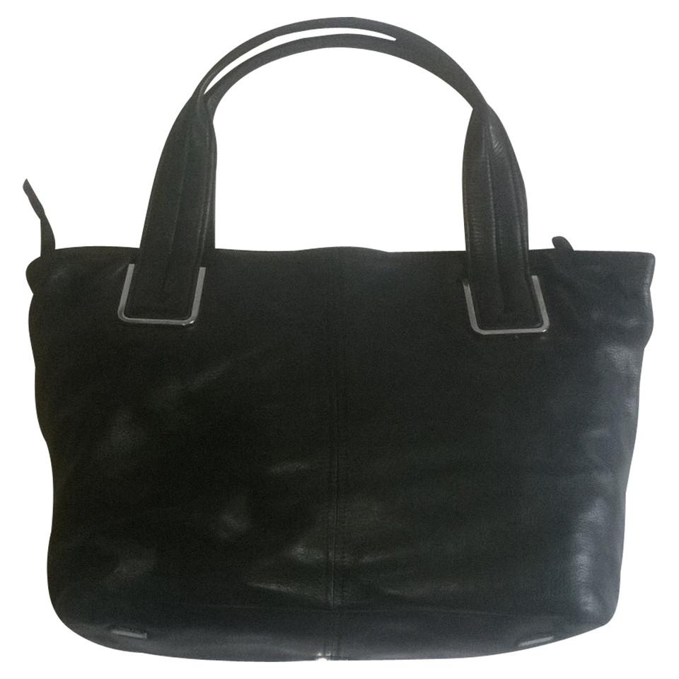calvin klein schultertasche in schwarz second hand calvin klein schultertasche in schwarz. Black Bedroom Furniture Sets. Home Design Ideas