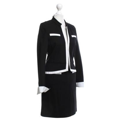 St. Emile Costume in zwart / White