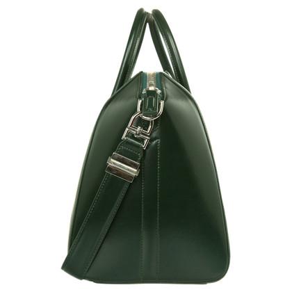 "Givenchy ""Antigona 032 addf4 Medium"""