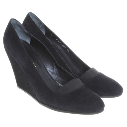 Robert Clergerie Suede Pumps in black