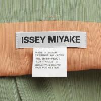 Issey Miyake Mehrlagiges Top