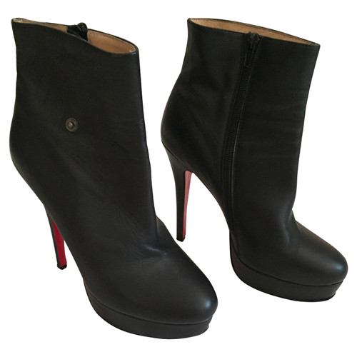 ee2ca0aa463 Christian Louboutin Ankle boots Leather in Black - Second Hand ...