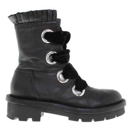 Alexander McQueen Boots in zwart