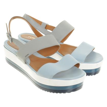 Fendi Sandalen in lichtblauw