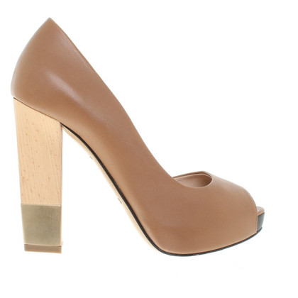 Bally pumps in Brown